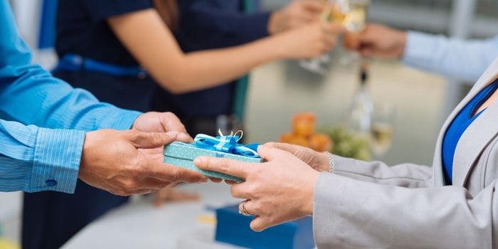 Three Important Corporate Gifting Tips to Keep in Mind