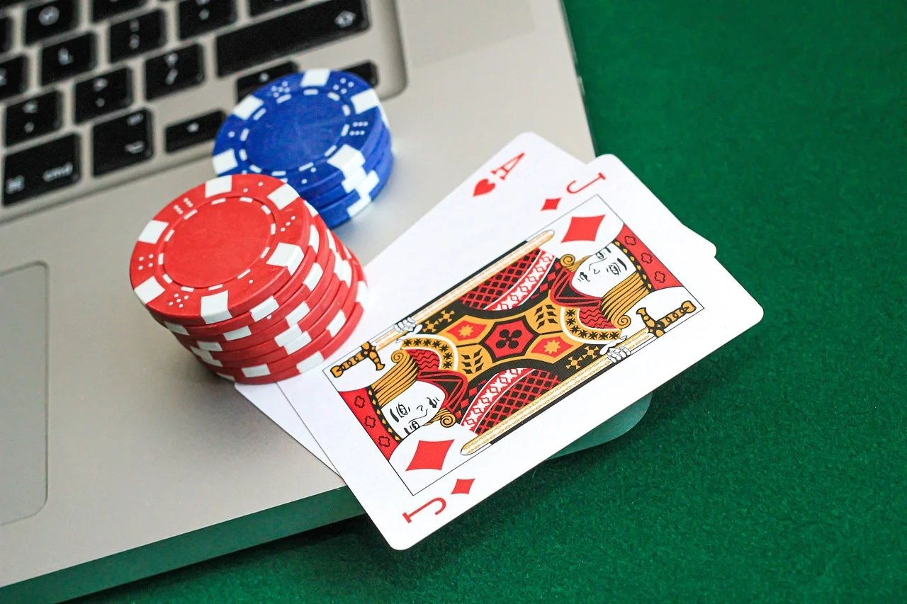 Play Situs Judi Online and Earn More